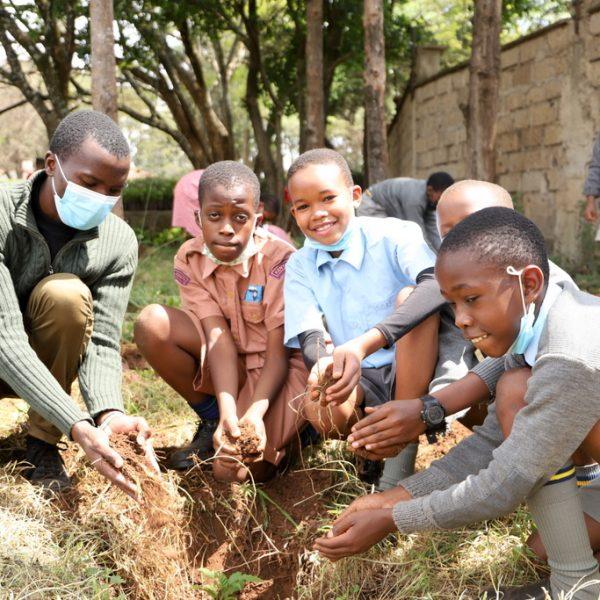 KFC AND NAIROBI PRIMARY SCHOOL PLANTS 1000 TREES